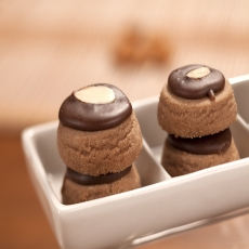 CHOCOLATE BISCUIT